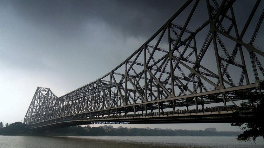 Kolkata,India by mitrangshubanerjee
