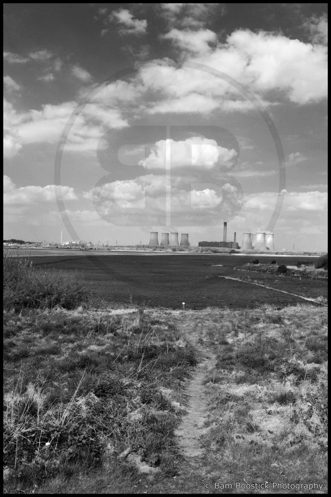 Fiddlers Ferry Power Station by Bam Boostick