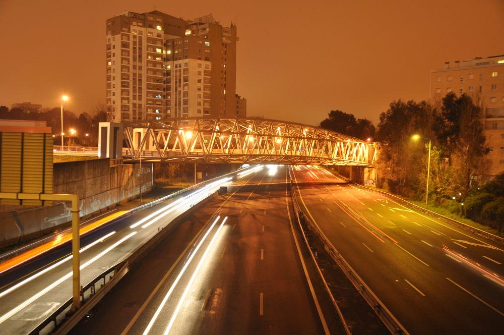 Porto in motion by Gabriella Szekely