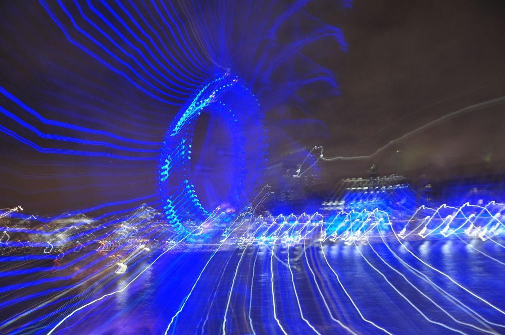 London eye by Gabriella Szekely