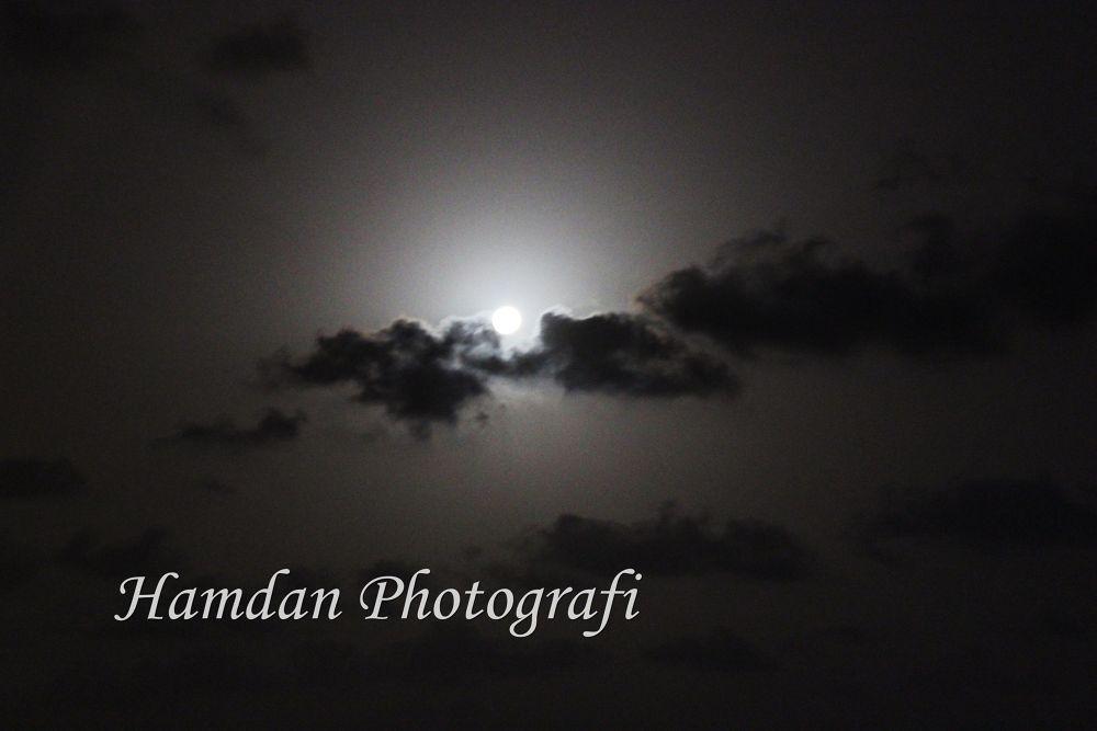 Glow by Hamdan Photografi
