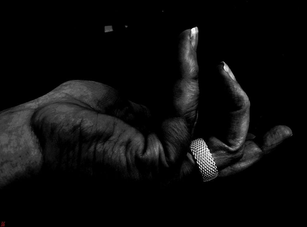 My hand... by SylvieGodineau