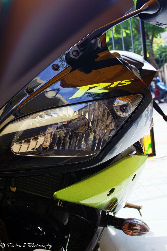 Yamaha R15 ver 2.0 by Tushar Thakur