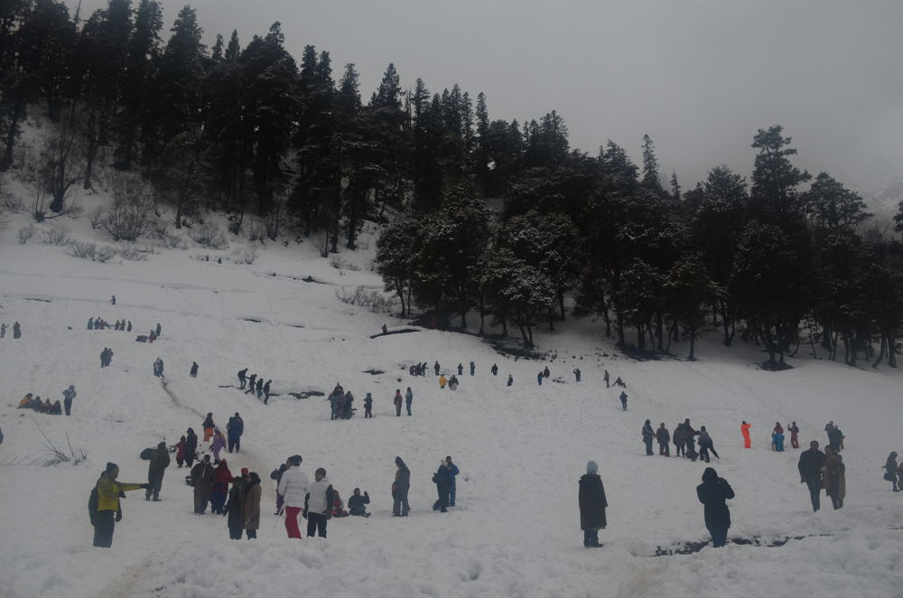 Photo in Nature #snowfall #snow #snowhills #hill #activity