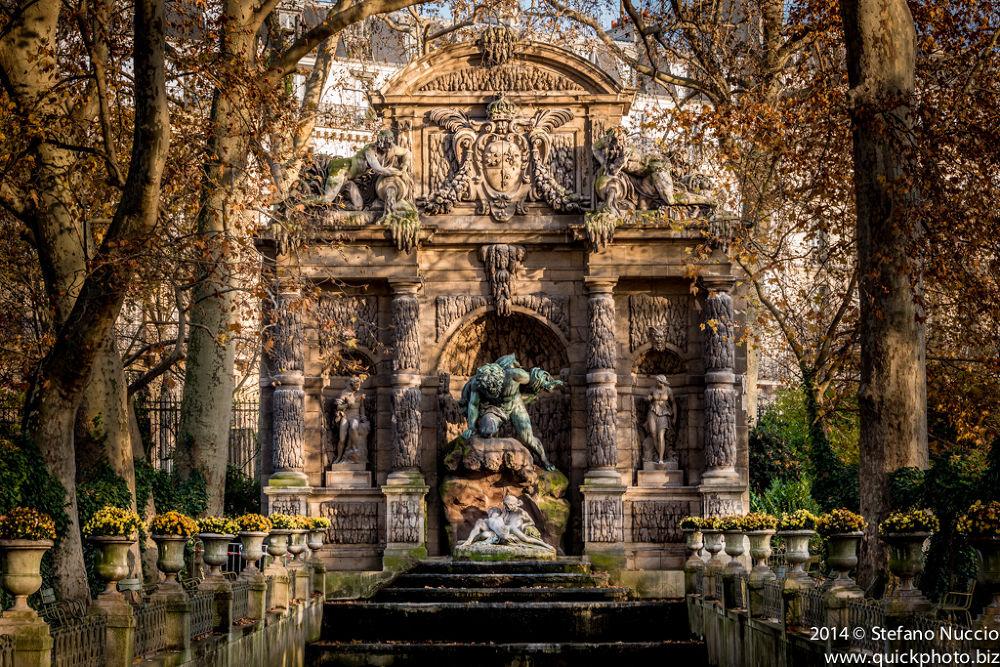 Fontana dei Medici by Stefano Nuccio