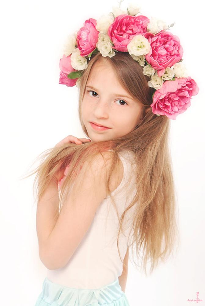 Photo in People #child #kid #tender #sweet #studio #portrait #delicate #memories