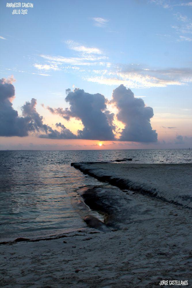 Sunrise Cancún 2 by George Castellanos