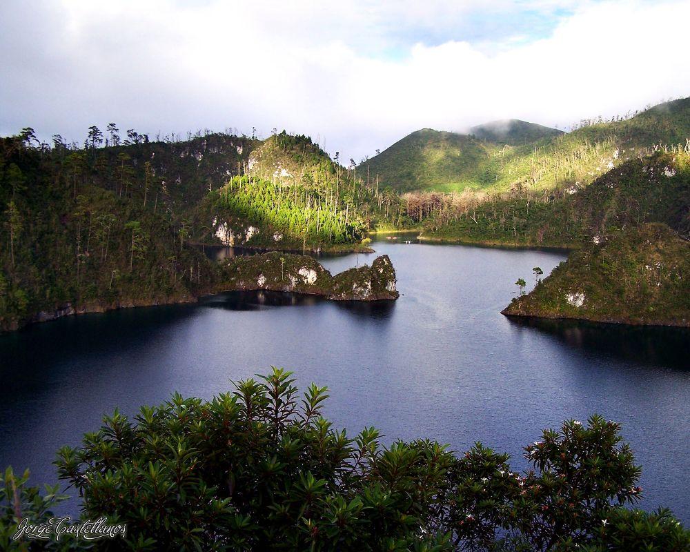 Lagunas de Montebello Chiapas by George Castellanos