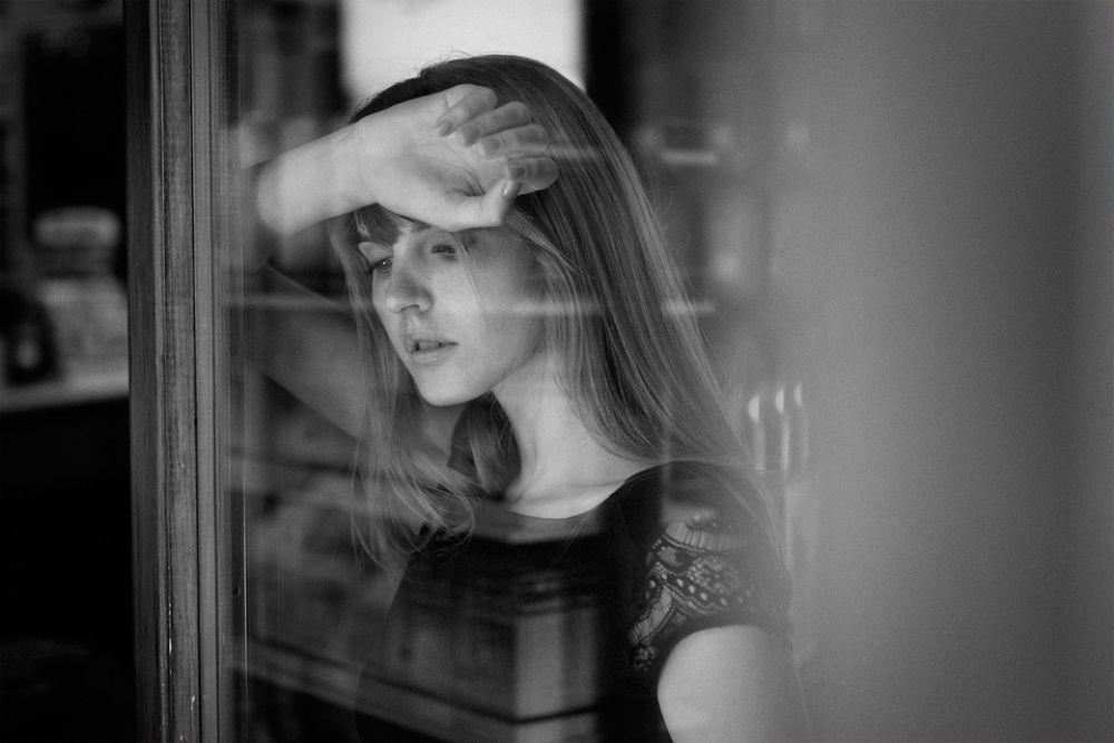 Marion - Girl Natural Light Portrait by Andrea Livieri