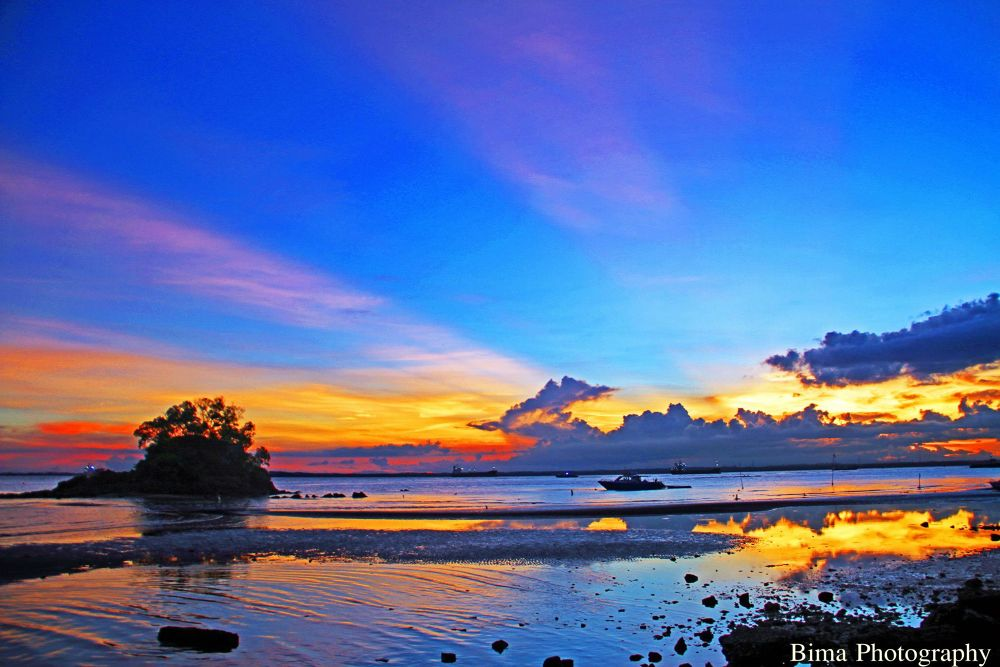 Sunset @Balikpapan East Kalimantan by bimaadiwara