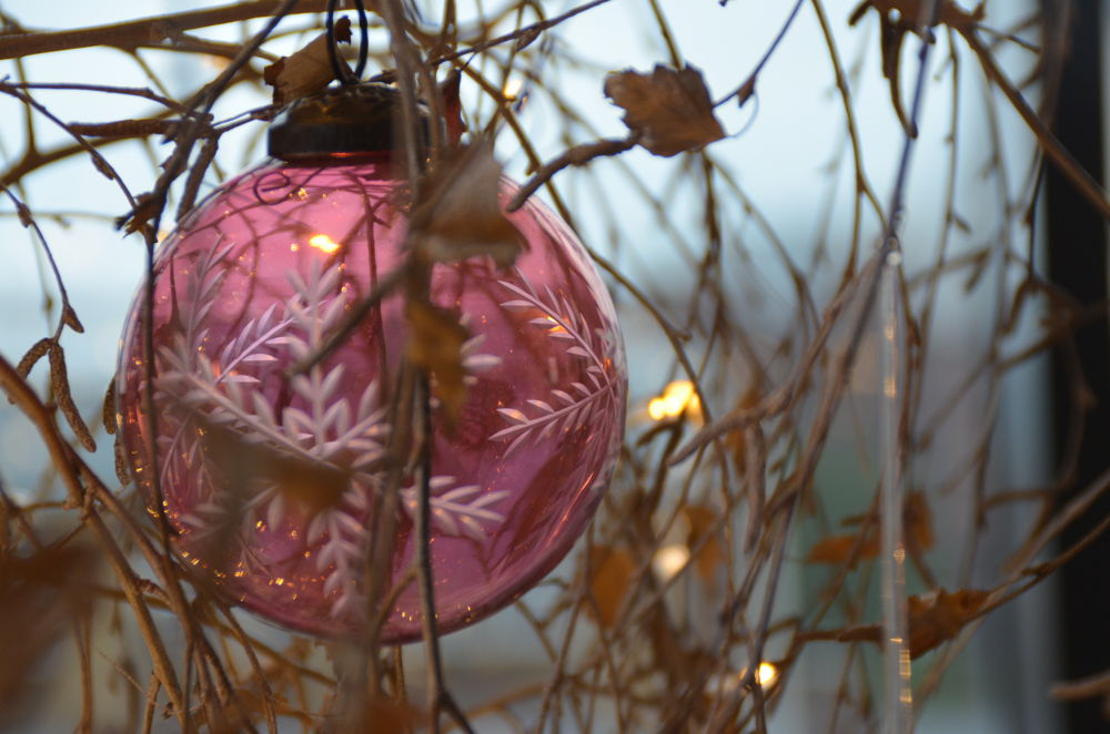 Pretty pink bauble by jackiwright16