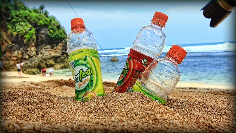Summer at da Beach by Rohmad Apriono Purwanto