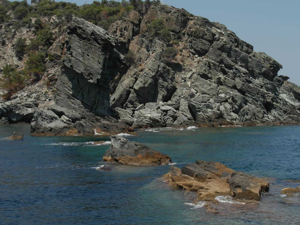 Rock in the sea by staicugheorghe3