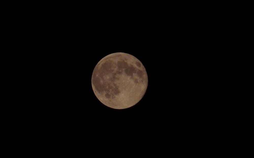 Full moon by dmavridi