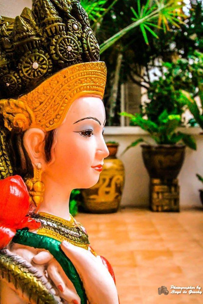 Thai Garden by Lloyd de Gruchy