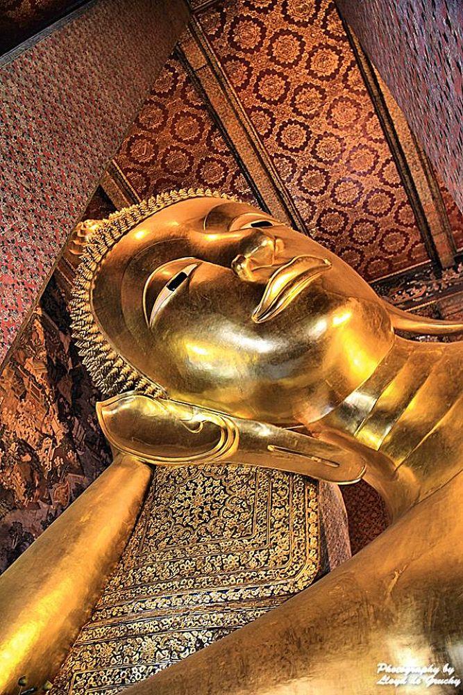 The Buddha by Lloyd de Gruchy