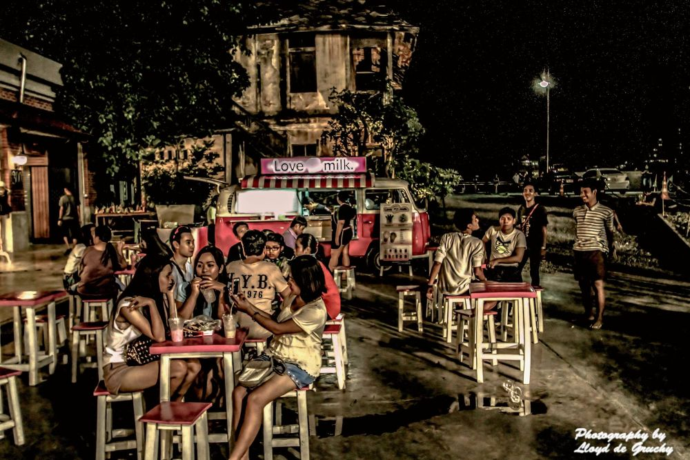 Perfect Warm Evening Bangkok by Lloyd de Gruchy