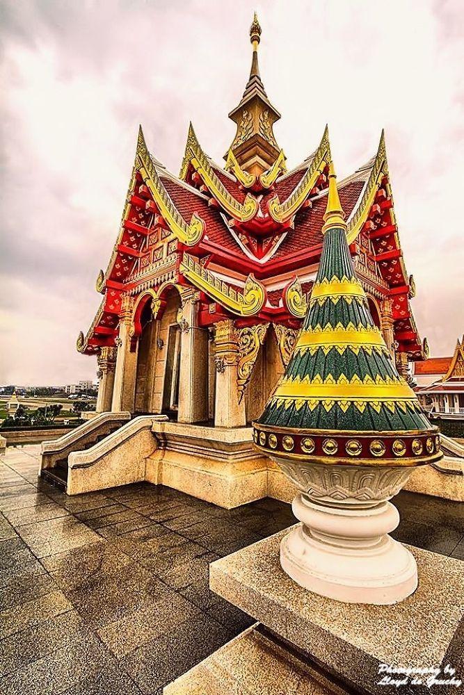 Thai Temple by Lloyd de Gruchy