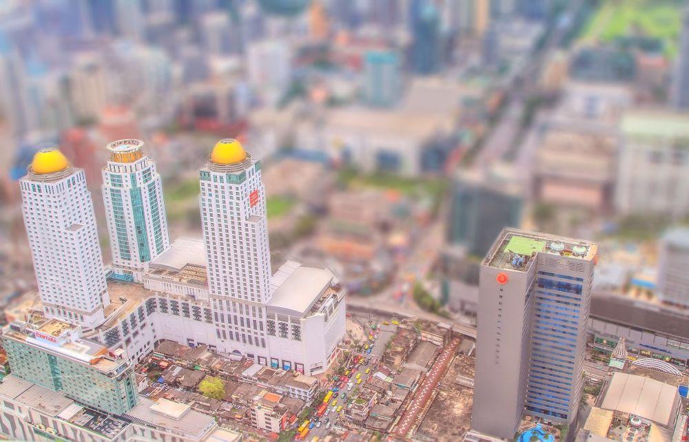 Mini Bangkok Tilt Shift by Lloyd de Gruchy