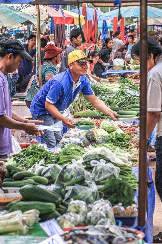 Market day by Lloyd de Gruchy