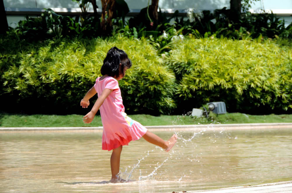 play with watter by minhaj ibno