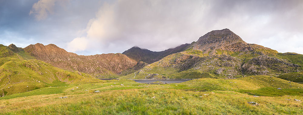 Dawn at Llyn Llydaw by richierobs