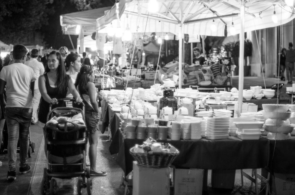 Street shop by Bruno Conte