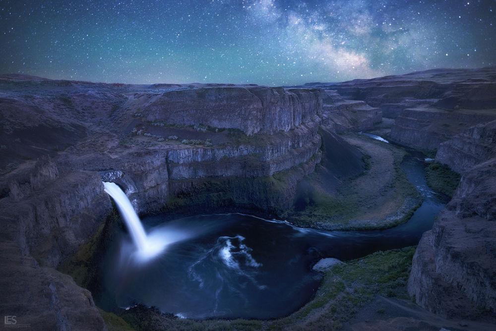 Celestial Canyon by leiferik