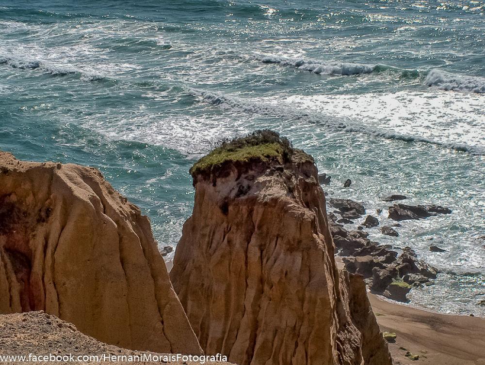 Holed Valley Beach, Portugal by hernanimorais5