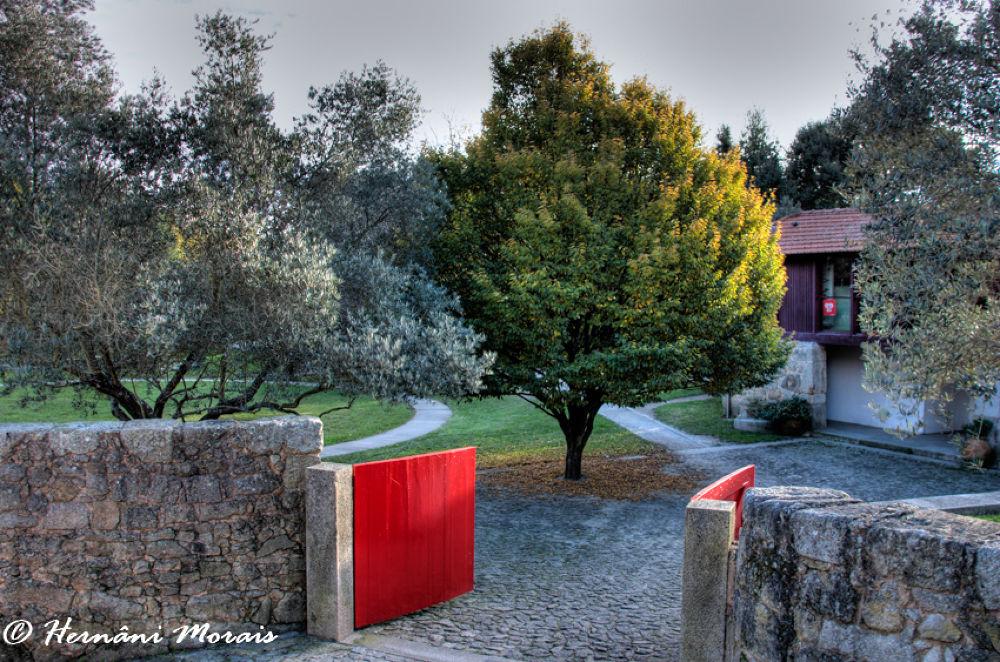 The red gate by hernanimorais5