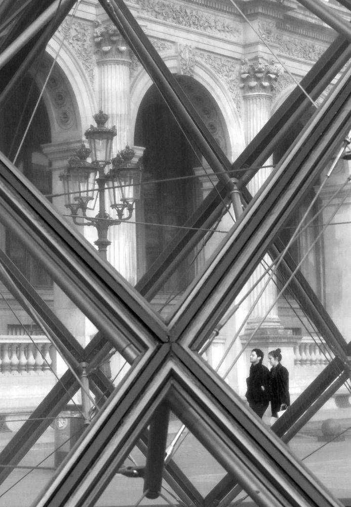 Windows / Paris Louvre by eugfav