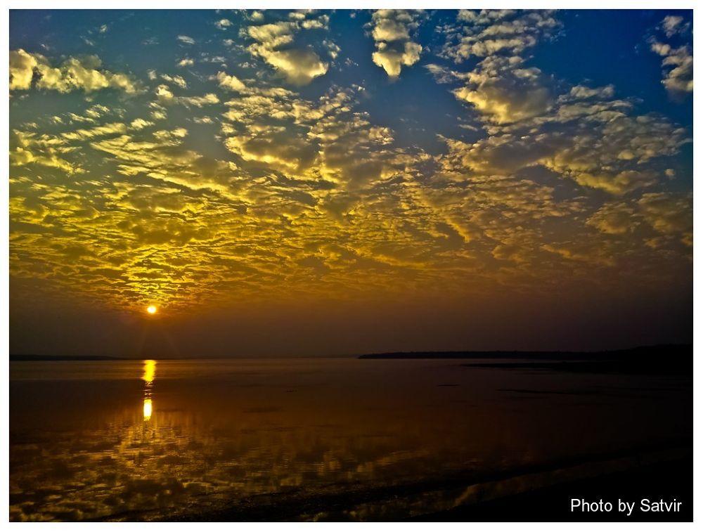 Sunset at Dhamtari by satvirmalhotra