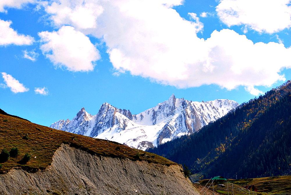 MOUNTAIN by prasenjitg1