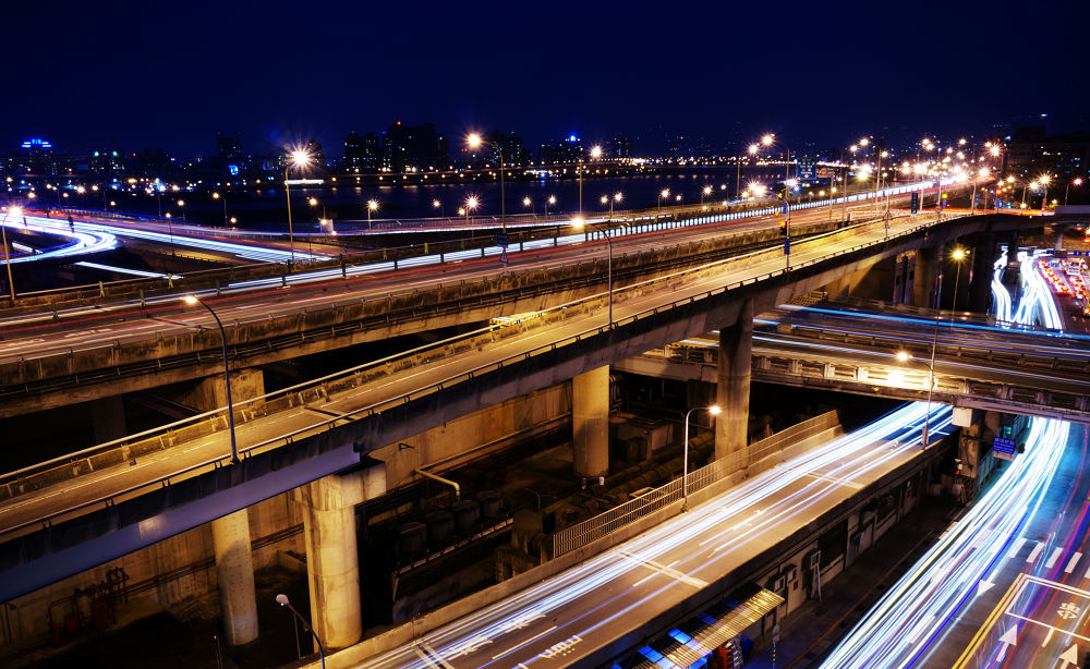 Light trail by Han-Lin