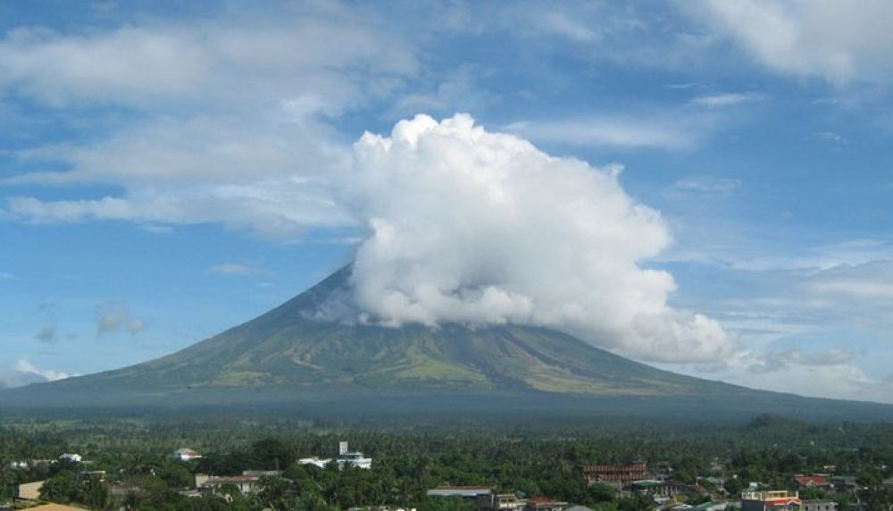 Mayon Volcano Albay Philippines by Anne