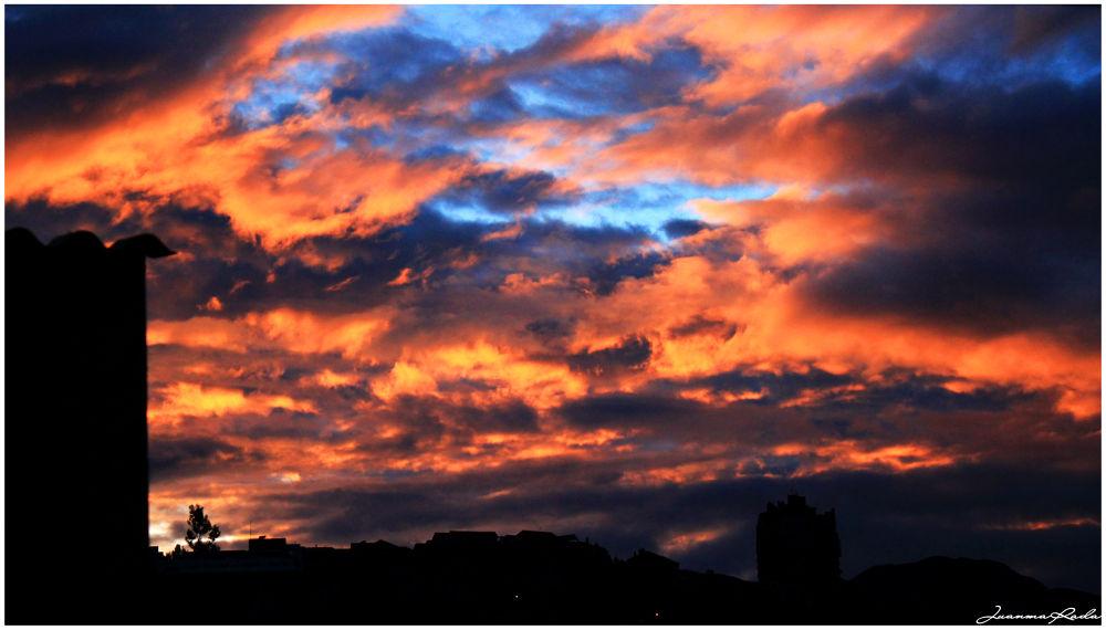 Sunrise in La Paz!!!! by Juanma Rada