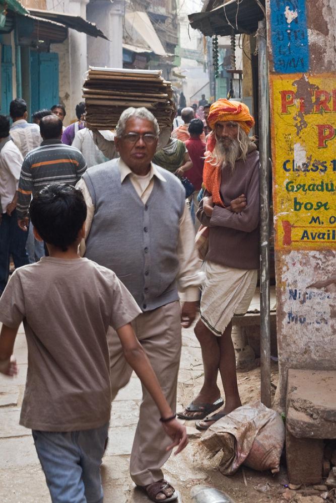 life in narrow lanes of varanasi by santoshkpandey18