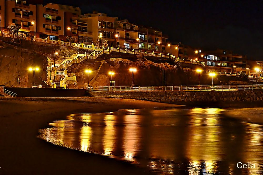 La noche se viste de oro by celiafernandez752