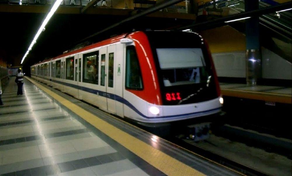 metro by Silvio Vargas
