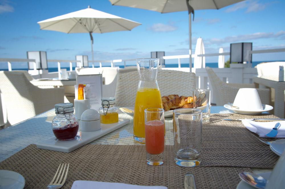 ... sunday morning breakfeast by Carlo Scherer