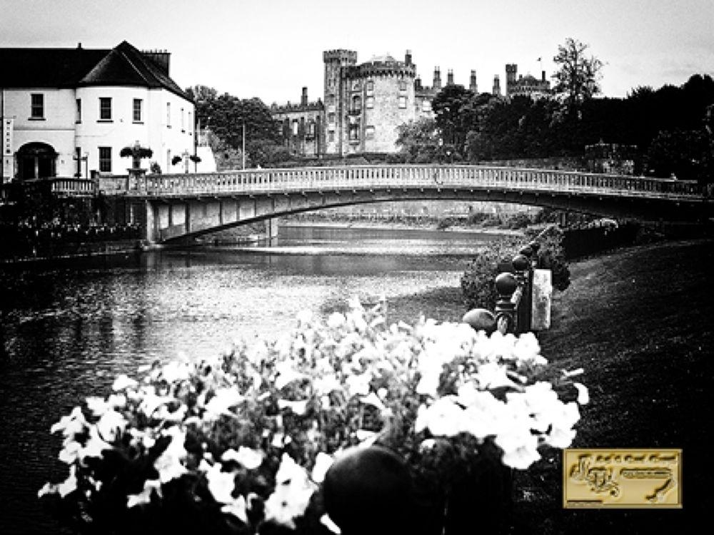 Kilkenny Bridge, 9~11~2011 by mixer