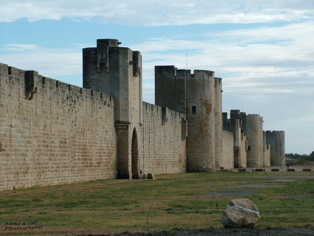 Les Remparts D'aigues-Mortes by ADRI & CRI Photographies