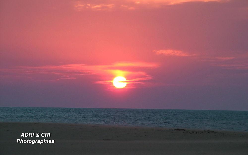 lever du soleil . Gruissan plage by ADRI & CRI Photographies