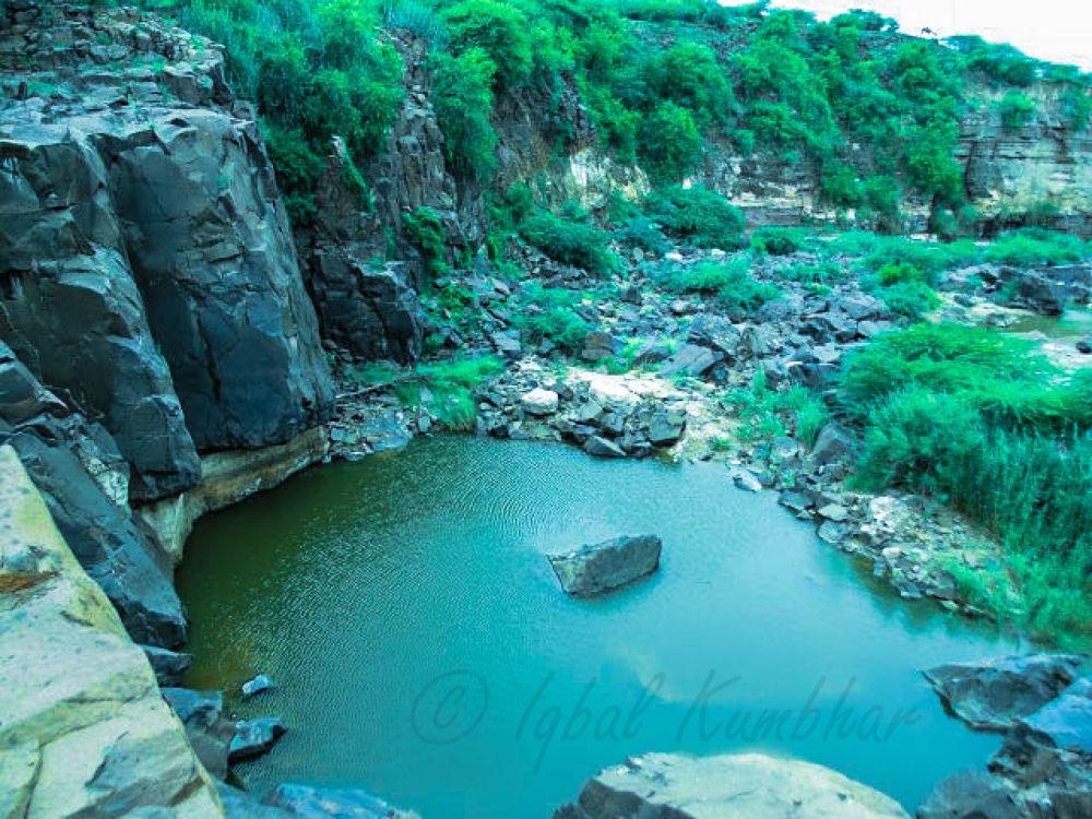Palardhuna Waterfall in Kutch..... by Iqbal Kumbhar