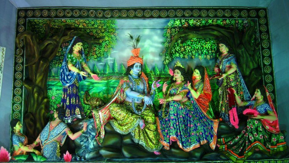 Rash leela of Krishna & Radha by Sayan Das