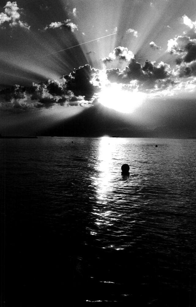 Lake Geneva Sunrise 1 by moshmangus