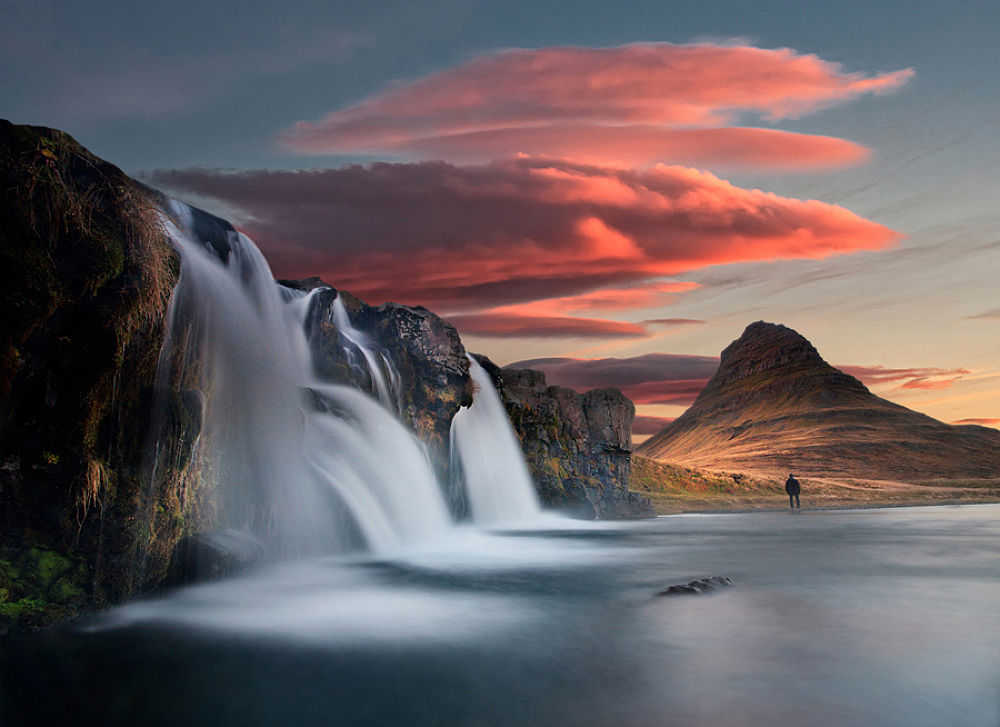 Flowing  by Þorsteinn H. Ingibergsson