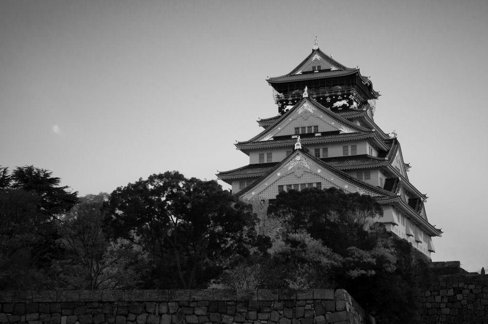 Japanese castle at sunset by shinichiinoue9619