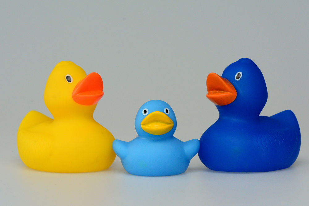 Rubber Ducks by gezienapomplooman