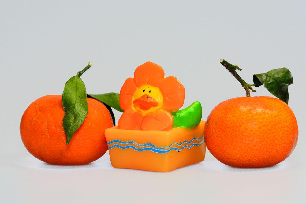 Orange by gezienapomplooman